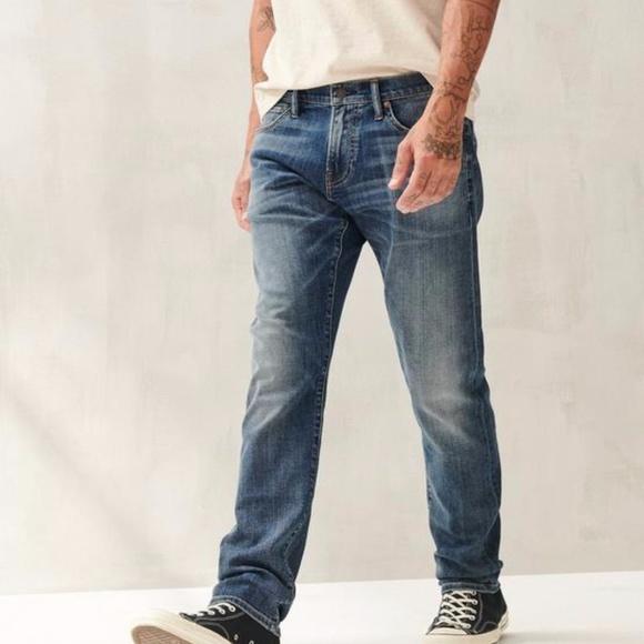 33/32 Men's Lucky Brand Slim Jeans